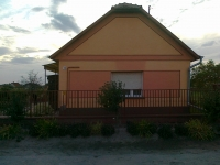Akasztón eladó összkomfortos 85m2 családi ház csendes nyugodt környezet ingatlan hirdetéshez feltöltött kép