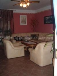 Pécs Littke utca eladó 82m2-es nívósan felújított 3 szobás lakás 3. em ingatlan hirdetéshez feltöltött kép