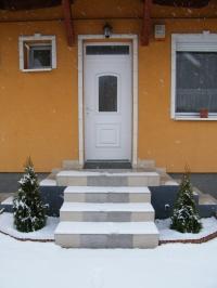 Gyál eladó családi ház ikerház fél 300m2 telken 70m3 ház 4 szoba ingatlan hirdetéshez feltöltött kép