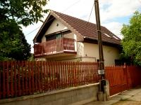 Dunakeszi eladó csládi ház 130m2 5 szoba Tóváros melletti utca kétszintes ház ingatlan hirdetéshez feltöltött kép