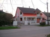 Hajdúszoboszló központ fürdõhöz közel eladó 189m2 családi ház kerttel ingatlan hirdetéshez feltöltött kép